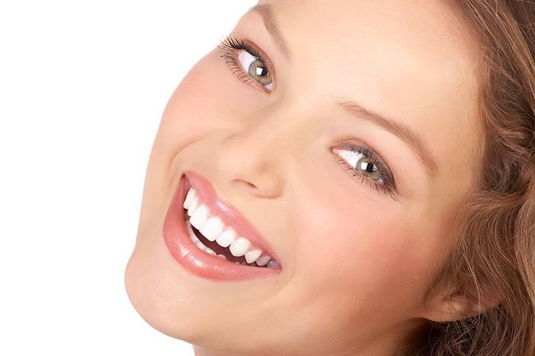 Κακές Συνήθειες Καταστρέφουν Τα Δόντια